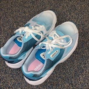 NWOT ADIDAS FALCON SNEAKERS